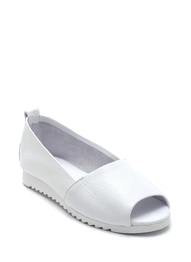 Derimod Kadın Açık Burun Detaylı Deri Ayakkabı Beyaz